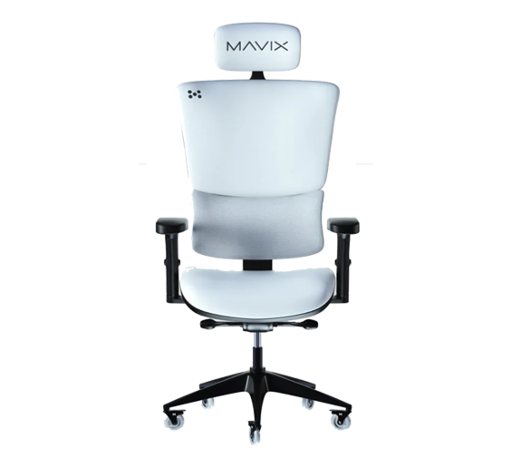 Valkyrae currently sits in the Mavix M9 gaming chair on her streams and Youtube videos.
